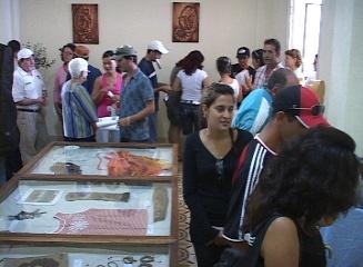 Efectúan primer salón de artesanía y convivencia en Caibarién